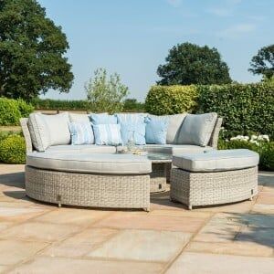 Maze Rattan Garden Furniture Oxford Chelsea Lifestyle Sofa Set & Glass Table Top